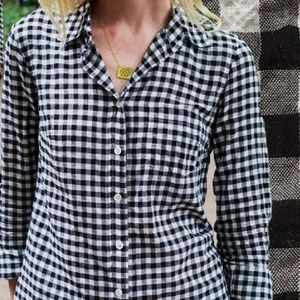 ↔️J. Crew perfect shirt size medium